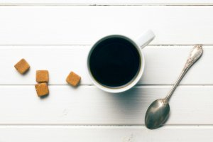 Kawa przesta�a ju� na ciebie dzia�a�? Oto 7 napoj�w, dzi�ki kt�rym z energi� rozpoczniesz dzie�