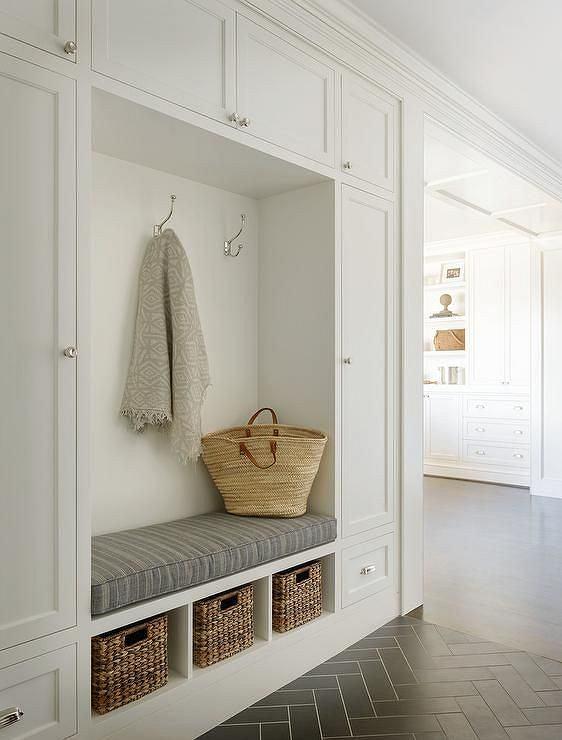 pomys y na przedpok j w bloku aran acja ma ego przedpokoju zdj cie nr 7. Black Bedroom Furniture Sets. Home Design Ideas