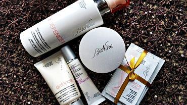Niekiedy próbko towarzyszy bonus - kosmetyk w sprzedażowej objętości
