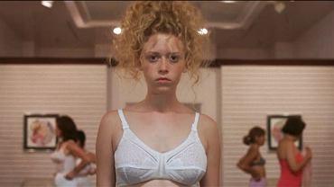 "Natasha Lyonne w filmie ""Slumsy Beverly Hills""/fot. mat. prasowe"