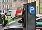 Miasta ograniczaj� parkowanie i wypychaj� samochody z centrum