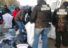 Podr�bki warte miliony w W�lce Kosowskiej. S� zatrzymani