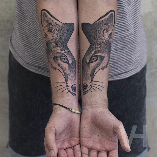 Nasza nowa obsesja: geometryczne tatuaże zdolnego berlińczyka