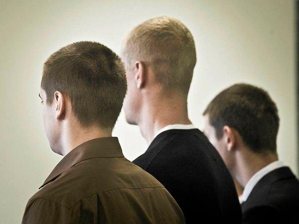 """""""Cygan"""", """"brudas"""". Rom nękany przez rówieśników. Sąd: To był pewien incydent w ich życiu. 200 zł kary"""