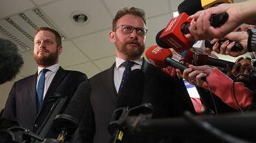 Minister zdrowia w rządzie PiS Łukasz Szumowski podczas konferencji po spotkaniu z lekarzami rezydentami. Warszawa, 19 stycznia 2018