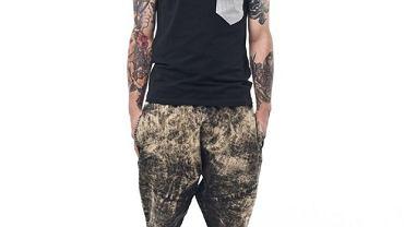 Spodnie z kolekcji Madox. Cena: 280 zł
