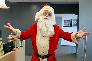 Ile trzeba pracować na prezenty? Niezbędnik św. Mikołaja