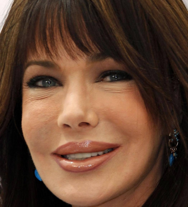 "Cast member Hunter Tylo poses during a photocall for the TV series ""The Bold and the Beautiful"" at the 52nd Monte Carlo Television Festival in Monaco June 12, 2012.  REUTERS/Eric Gaillard (MONACO - Tags: ENTERTAINMENT)"