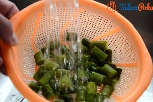 �atwy przepis na sa�atk� ze szparagami i mi�towym dressingiem