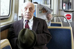 Lekarz namawia do nieustępowania starszym w autobusie. O co chodzi?