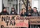 Protest studentów Uniwersytetu Warszawskiego przeciw planowanemu spotkaniu z działaczką pro-life Rebeccą Kiessling