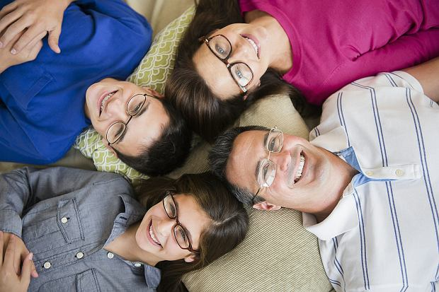 Sk�d si� bior� wady wzroku? Winne geny czy siedzenie przed ekranem?