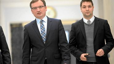 Minister sprawiedliwości Zbigniew Ziobro ze swoim zastępcą Patrykiem Jakim