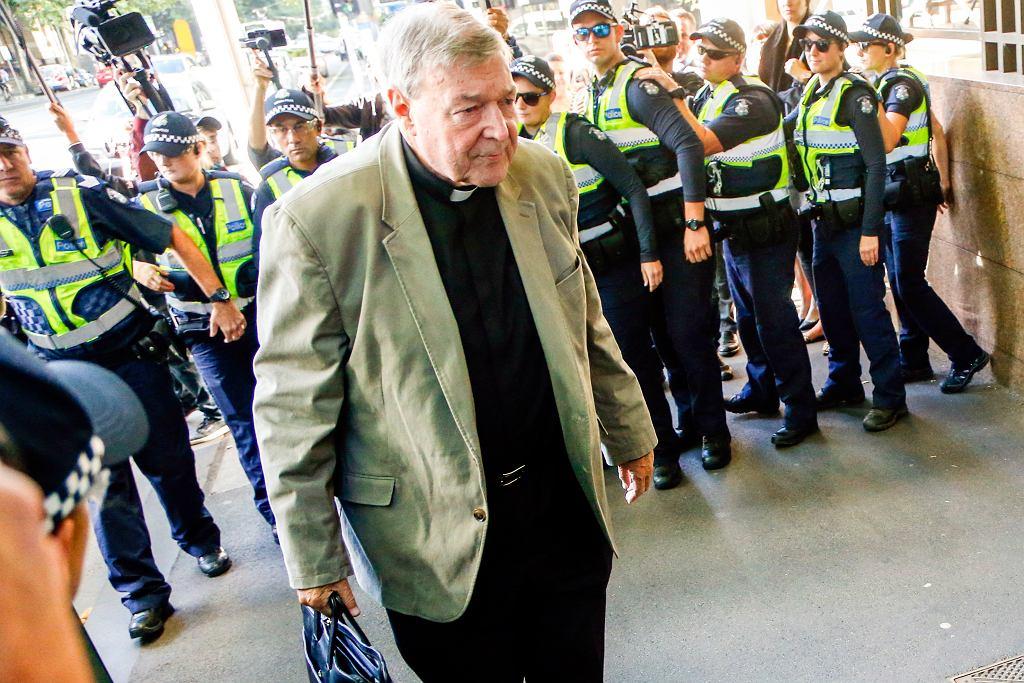 Kardynał George Pell przed sądem