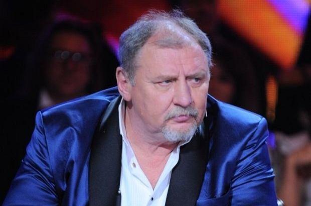 Andrzej Grabowski od kilku lat zmagał się z nadwagą. Aktor w ostatnim czasie jednak zrzucił zbędne kilogramy. Ponoć jest to efekt operacji zmniejszenia żołądka.