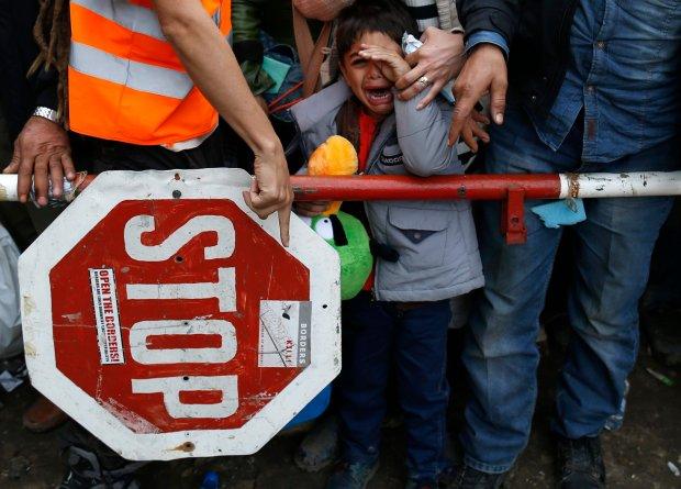Uchod�cy na granicy serbsko-chorwackiej