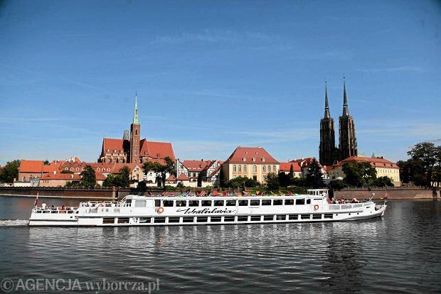 Największa pływająca restauracja i statek, który przetrwał trzy wojny. Biznes na Odrze się kręci
