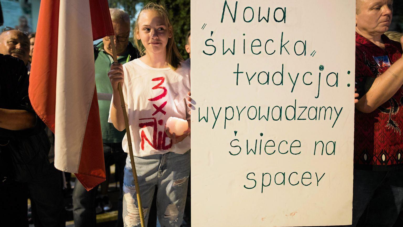 Protest w obronie niezależności polskiego sądownictwa (fot. Jakub Orzechowski / Agencja Gazeta)