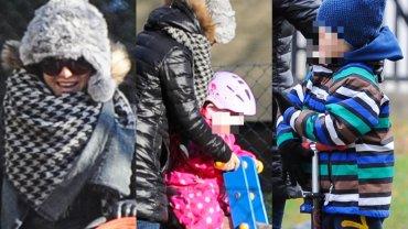 Paparazzo spotkał Kasię Cichopek na spacerze z dziećmi. Zakochaliśmy się w różowym kombinezonie Helenki. Wygląda przeuroczo!