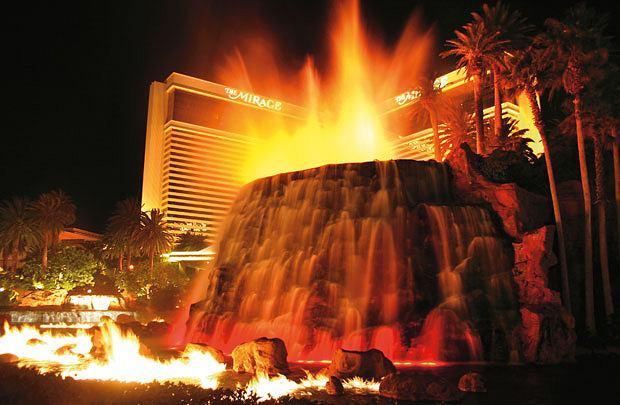 Lans Vegas - oaza seksu, hazardu i... głupoty, ameryka, podróże, Wulkan Mirage
