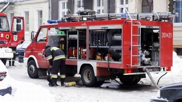 Pożar domu wielorodzinnego w Żaganiu. Dwie osoby zginęły
