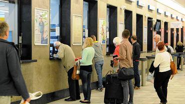 Biletów nie można kupić z wyprzedzeniem, bo kolej ma problem z korektą rozkładu