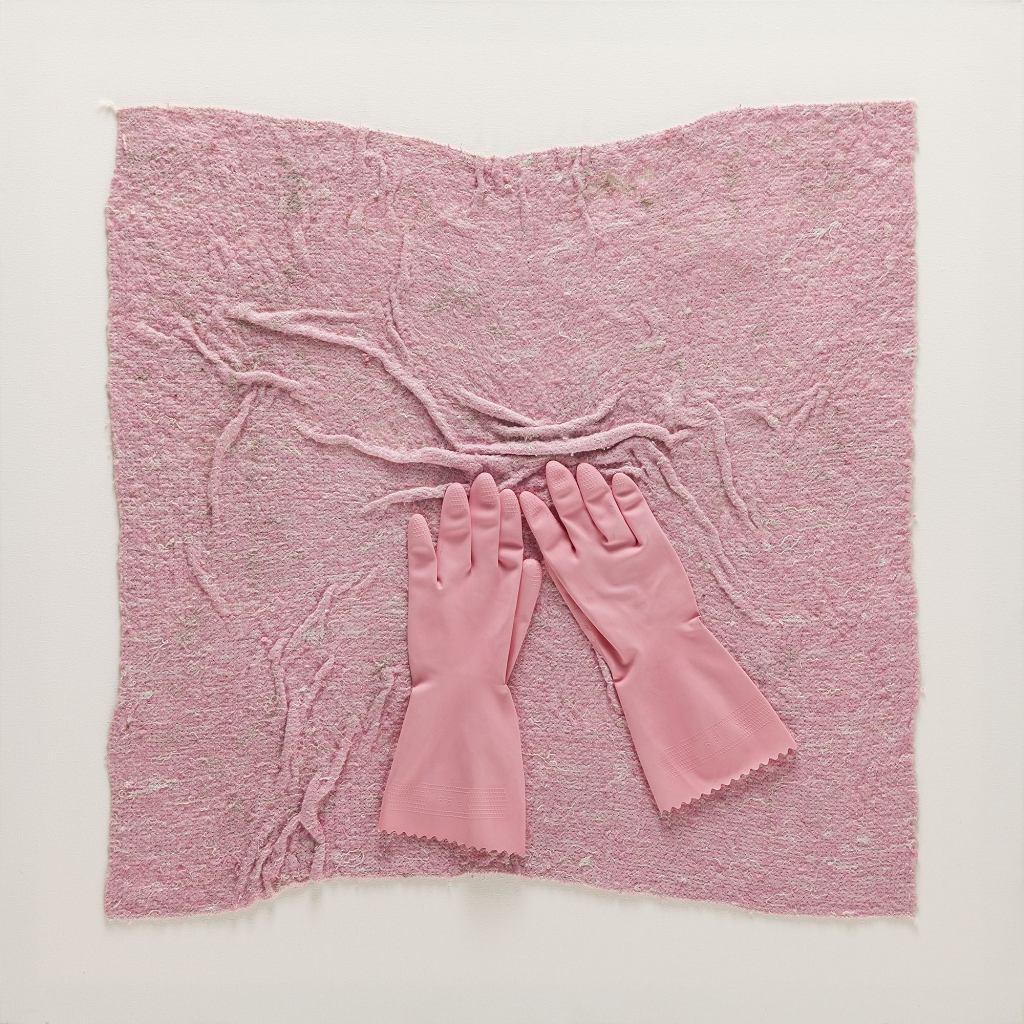 Iwona Demko, 'Różowy kwadrat na białym tle. Dla kobiet, które nieustannie się krzątają', 2015r. / materiały prasowe