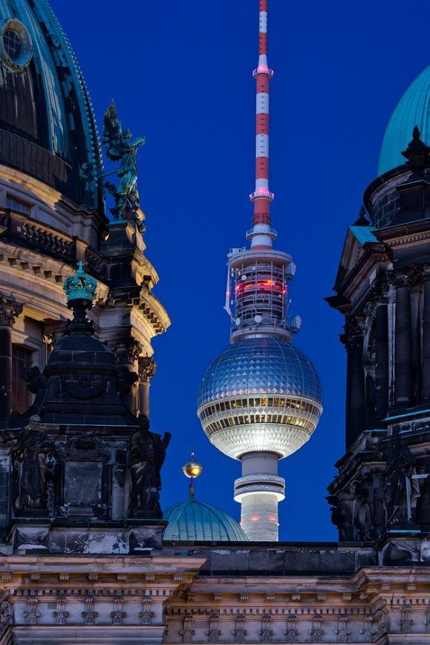 Wieża telewizyjna Fernsehsturm w Berlinie, Niemcy / fot. Shutterstock