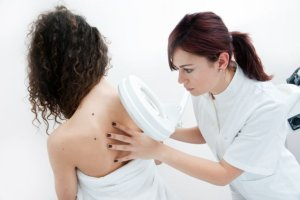 Immunoterapia - skuteczny spos�b na czerniaka?