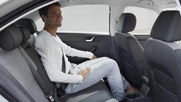 Zawsze zapinaj pasy bezpieczeństwa, także z tyłu. W razie wypadku ryzyko śmierci spadnie o ponad 60%.
