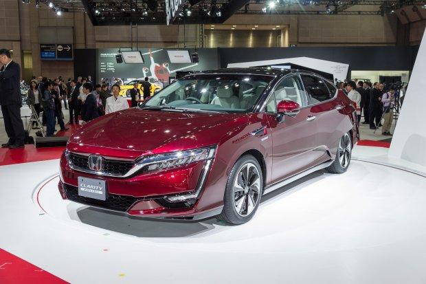 Salon Tokio 2015 | Honda Clarity Fuel Cell | Konkurent Toyoty Mirai