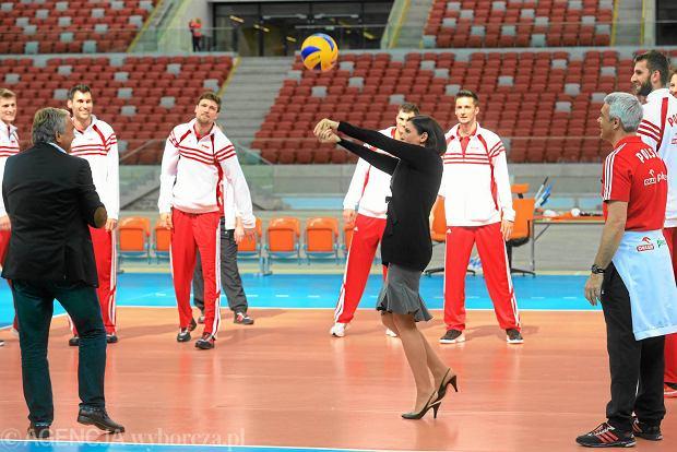 Siatkarze reprezentacji Polski z Joann� Much� na Stadionie Narodowym