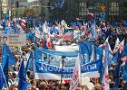 """Marsz Wolności przeszedł ulicami Warszawy. """"Bez Unii Europejskiej jesteśmy jak mucha na słonia"""""""