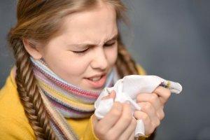 Kaszel suchy u dziecka: jak skutecznie nawil�y� drogi oddechowe?