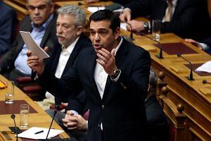 Przemawiający w parlamencie premier Alexis Tsipras
