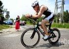 Triathlon dla �elaznych. Bia�ostoczanin na podium w Suszu