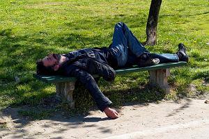 Utrata przytomności i utrata świadomości - czym się różnią?