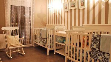 Beż i biel w klasycznym pokoju dziecięcym