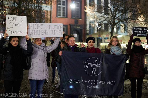 Zdjęcie numer 5 w galerii - Polskie Dziewuchy popierają Turczynki!