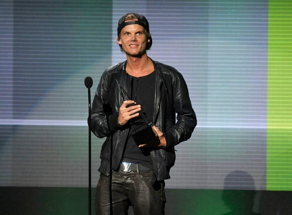 Avicii odbiera nagrodę w American Music Awards w Los Angeles w 2013.
