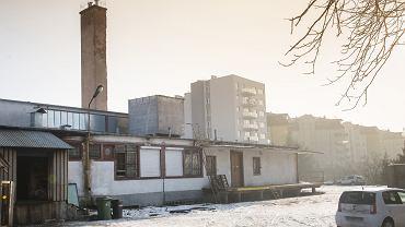 Tereny magazynów przy ul. Pstrowskiego, niedaleko Tesco, gdzie mają powstać kolejne bloki