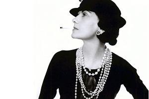 80a33b648f908b Coco Chanel: seksowne ciałko, czuły nosek. Jak córka wędrownego handlarza  wymyśliła najsłynniejsze perfumy