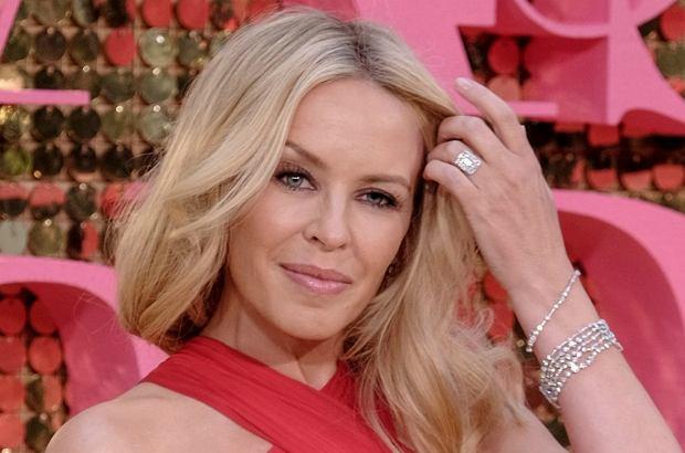 Kylie Minogue i książę Andrzej razem? Połączenie dość nietypowe, ale przecież przeciwieństwa się przyciągają. Myślicie, że już niedługo piosenkarka doczeka się tytułu księżnej?