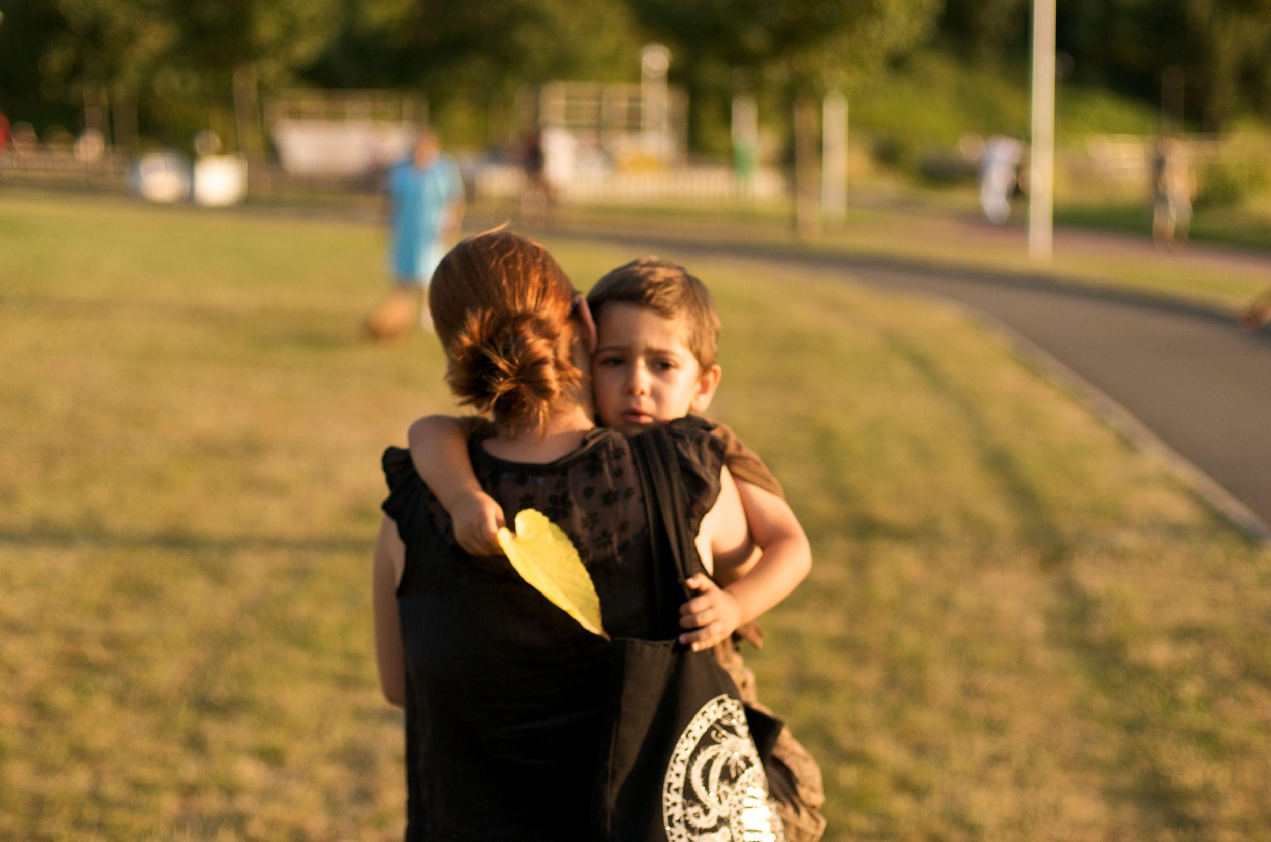 Dzieci alkoholików żyją w ciągłym napięciu, niepewności, lęku (fot. Mario Antonio Pena Zapater~a / http://bit.ly/1BtcDTb / CC BY / http://bit.ly/1dsePQq)