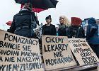 Czarny protest w Trójmieście. Tysiące kobiet na placu Solidarności: Chcemy wyboru, a nie terroru!