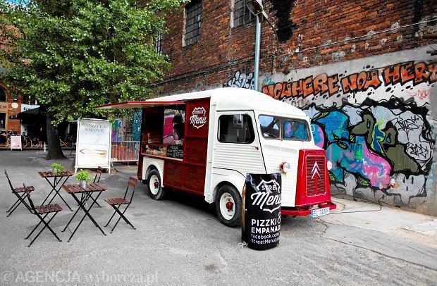 street menu kolejny dzki food truck zdj cia. Black Bedroom Furniture Sets. Home Design Ideas