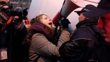 Protest przed Sejmem RP podczas głosowania nad KRS i SN, 8 grudnia 2017.