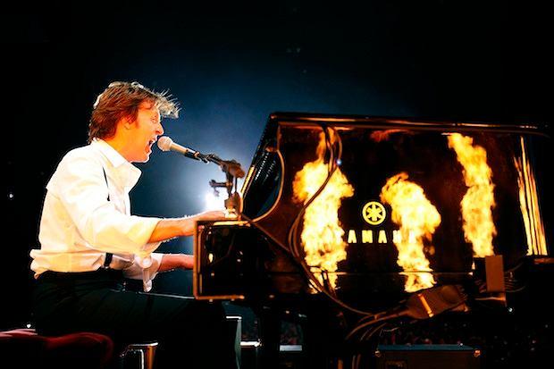 Muzycy wystąpili razem, podczas koncertu byłego Beatlesa w londyńskiej O2 Arenie.