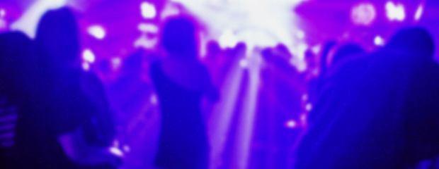 Clubbing warszawski, czyli kulturalny burdel w centrum stolicy. ''Chod� ze mn�, tam jest taki zaciszny pokoik''