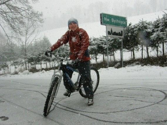 Michalina na rowerowej, zimowej przejażdżce